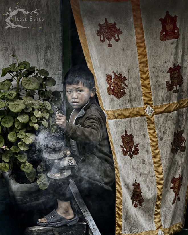 Буддийский мальчик – долина Кумбу, Непал