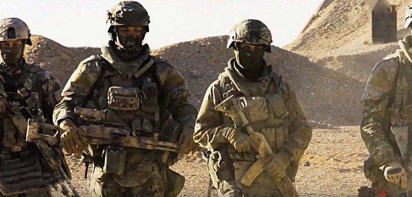 «Спецназ из СССР» наводит ужас на ИГИЛ у Пальмиры: отрезанные головы террористов «украшают» пустыню
