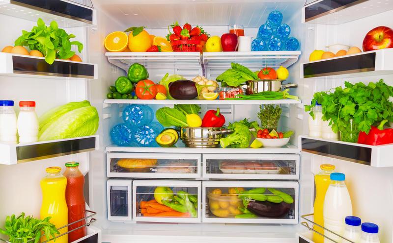 Чем мыть холодильник внутри и как это делать?