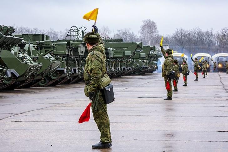 """Зенитчики Западного военного округа получили бригадный комплект """"Бук-М3"""""""