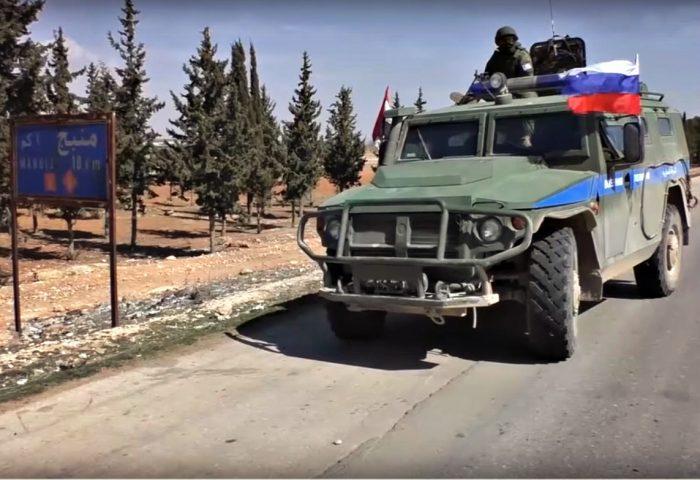 Армия Турции обстреляла сирийский поселок, где находился российский конвой
