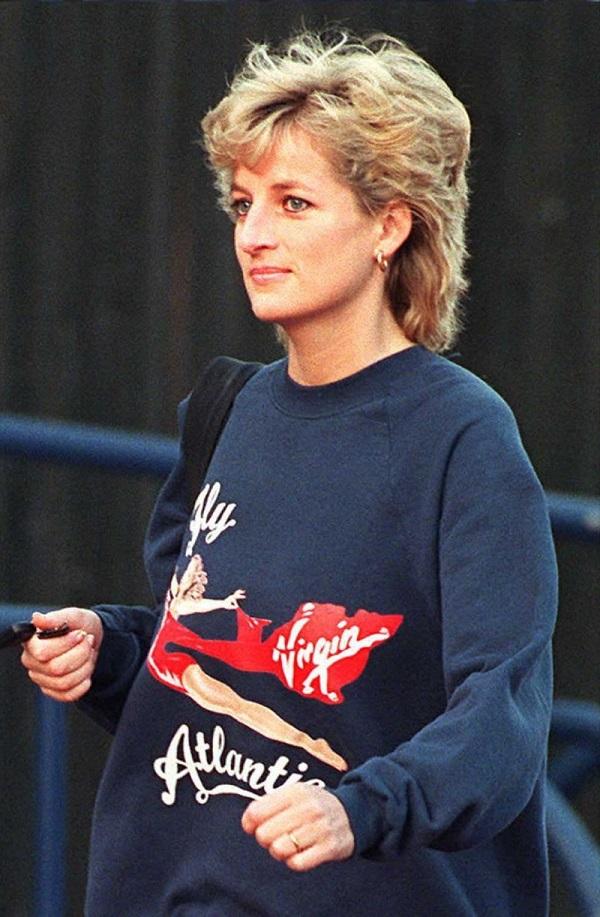 стильные свитера женские