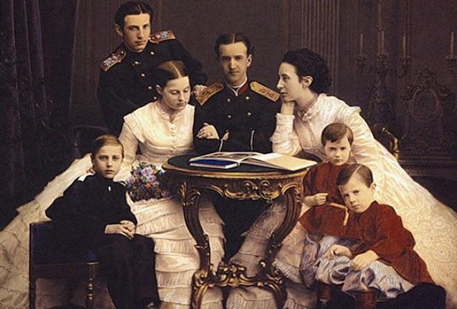 История, которую Романовы тщательно скрывали — позор царствующей семьи!