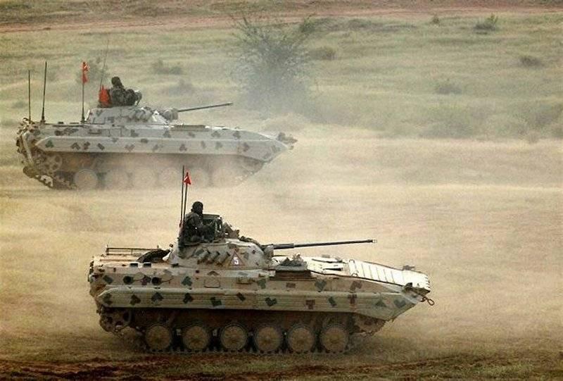 Армия Индии заказала полторы сотни БМП Sarath (БМП-2)