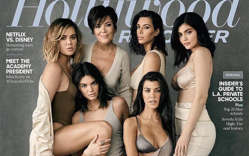 Все в сборе! Звездное семейство Кардашьян демонстрирует роскошные формы в сексуальном белье на обложке глянца