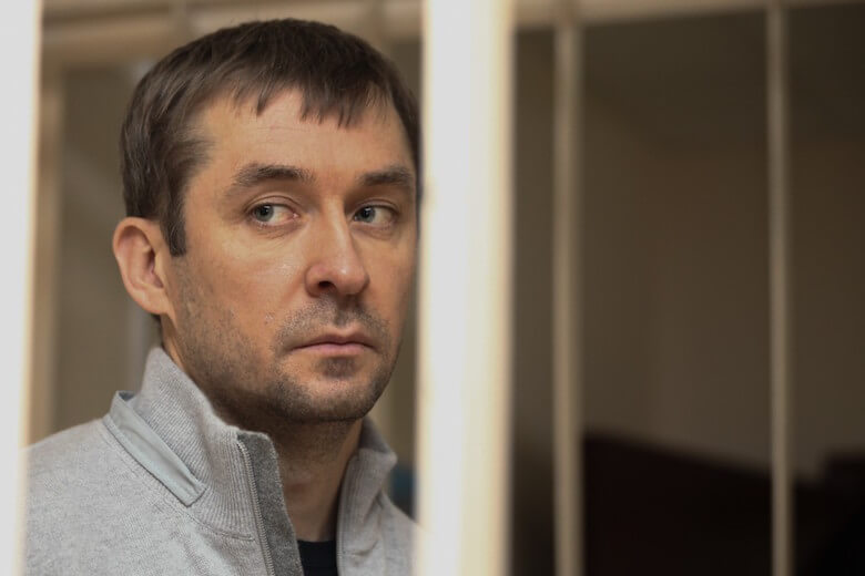 Прошу внимания! То, о чём пока ещё никто не писал: Захарченко - не вор и не взяточник. Он намного круче