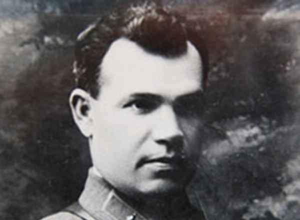 Почему расстреляли принявшего первый удар немцев генерала Александра Коробкова