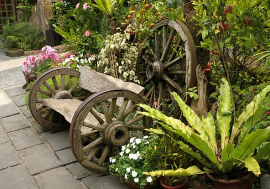 Как украсить участок: занятные идеи для дачи и сада своими руками