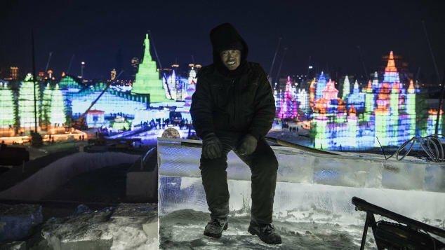 В Китае стартовал крупнейший фестиваль снежных и ледяных скульптур Скульптуры, Фестиваль, зимние забавы, китай, красота, лед, ледяной дом, ледяные скульптуры