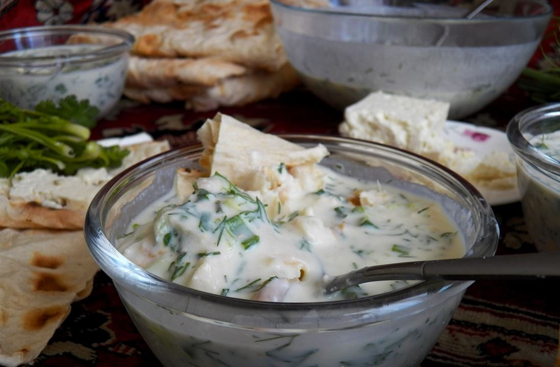 Мацнабрдош (окрошка с мацуном по-армянски)