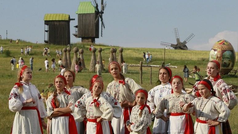 Корреспондент: Нардепы предложили Раде тотальную украинизацию