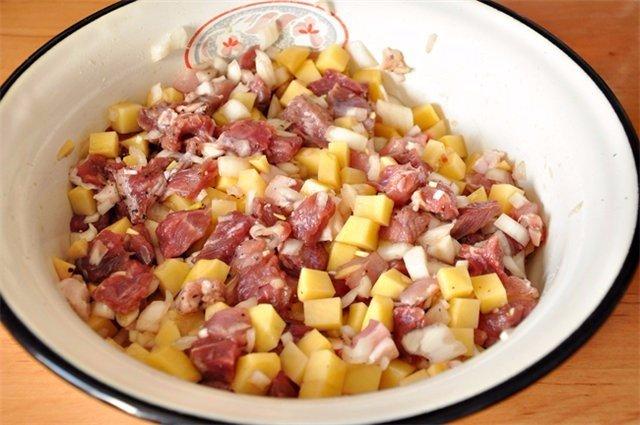 Татарские треугольные пироги с картошкой и мясом — эчпочмак. Объедение!