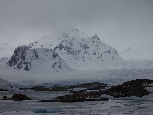 Экс-сенатор Аляски вместо обмен угрозами предложил соединить Россию и США тоннелем