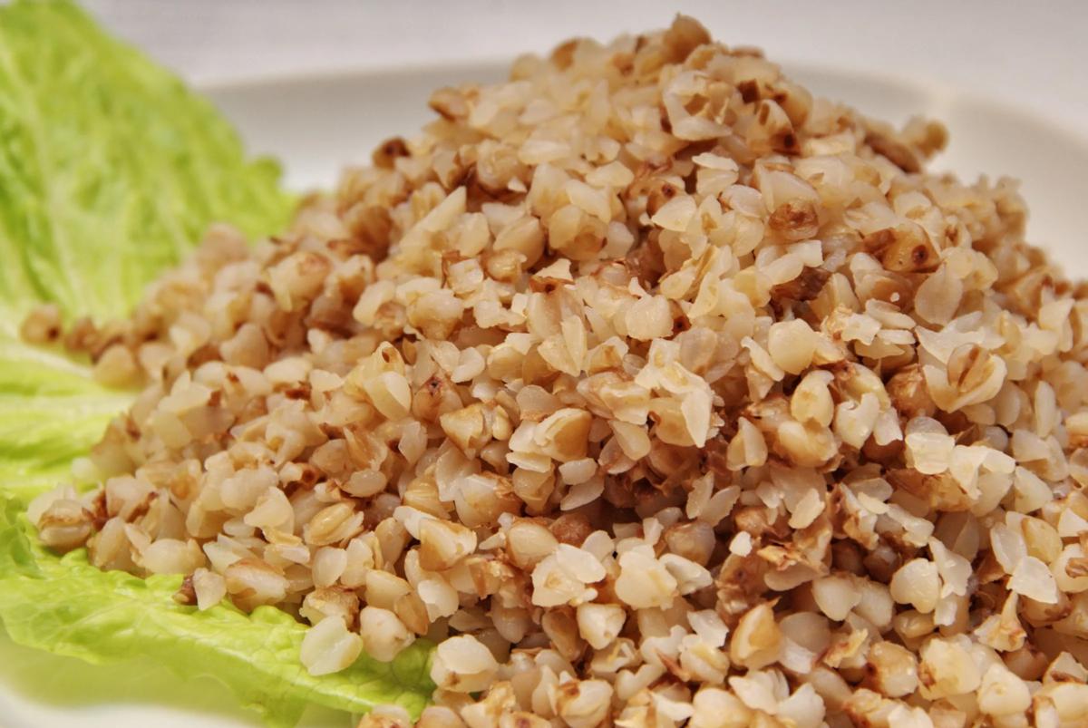 Опять гречка: вкуснейший салат, основа которого — крупа
