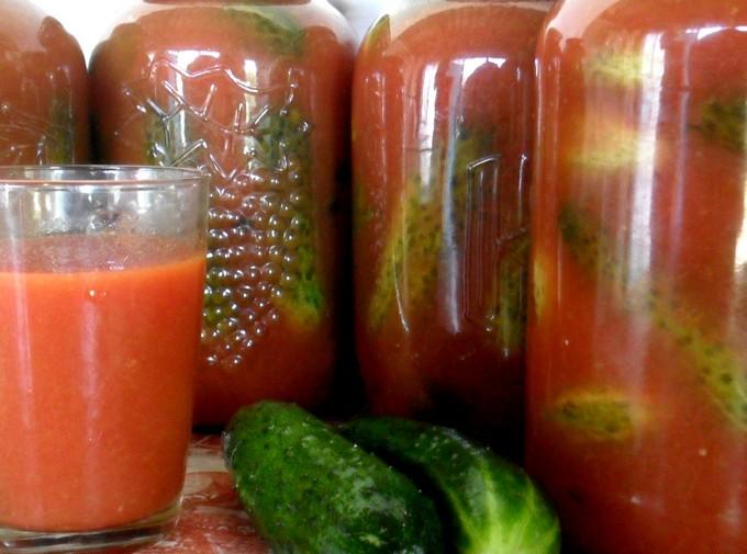 Огурцы в остром томатном соусе