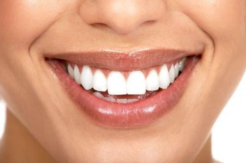 Мы делаем естественное пломбирование зубов!