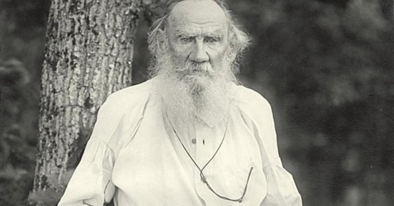 Почему Лев Толстой ушел из дома?