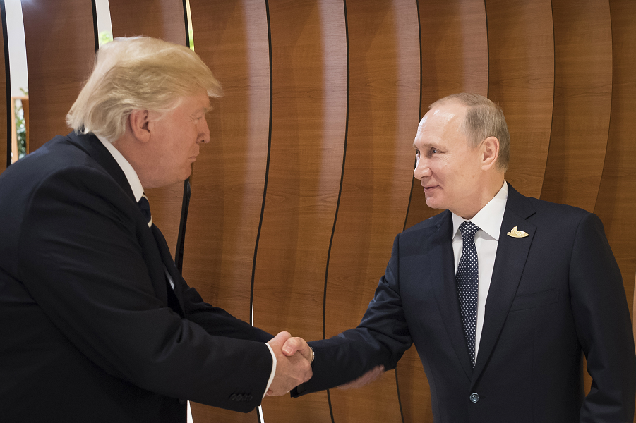 """Трамп переговорит с Путиным """"на ногах"""", """"на ходу""""?"""