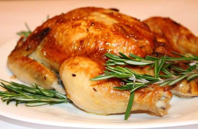 Запекаем курицу: три самых удачных варианта