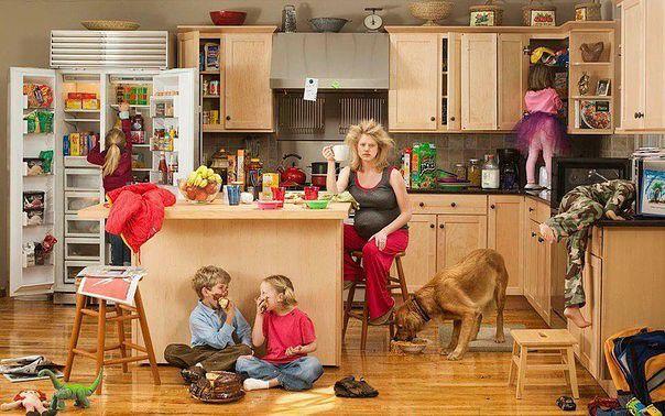 Вообще, быть домохозяйкой легко. С утра проснулась, всех позавтракала...и понеслась...