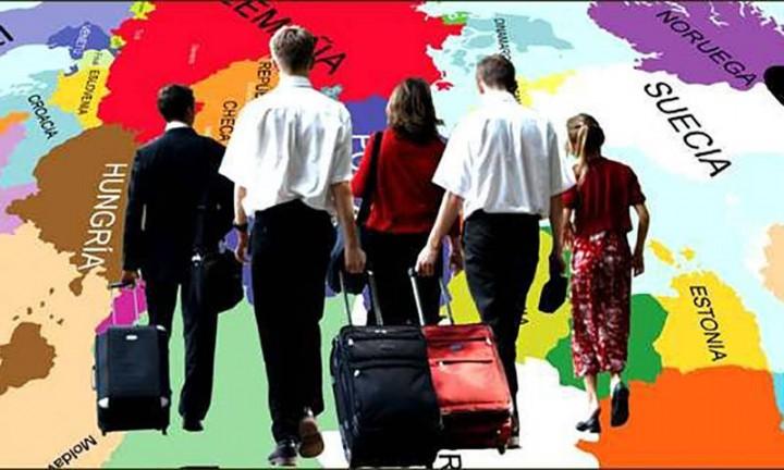 Чемоданное настроение: украинцы задумались об эмиграции