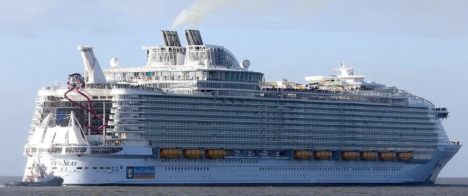 Построен самый большой круизный лайнер, стоимостью 1 млрд евро