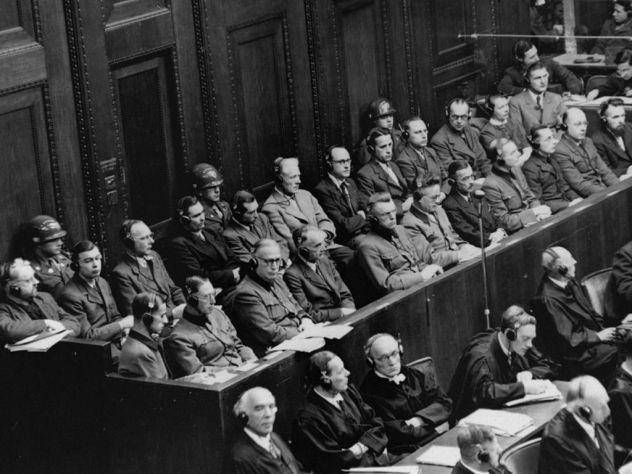 Сенатор исправит ошибку в законе о пропаганде нацизма