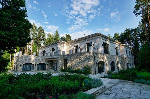 Это самый дорогой дом Рублёвки. Его продают за $60.000.000