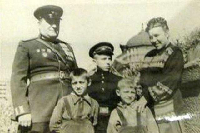 http://historic.ru/news/item/f00/s28/n0002842/pic/000000.jpg
