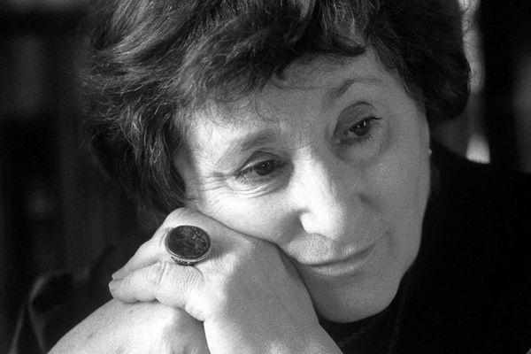 Умерла участвовавшая впоисках Гитлера писательница Елена Ржевская