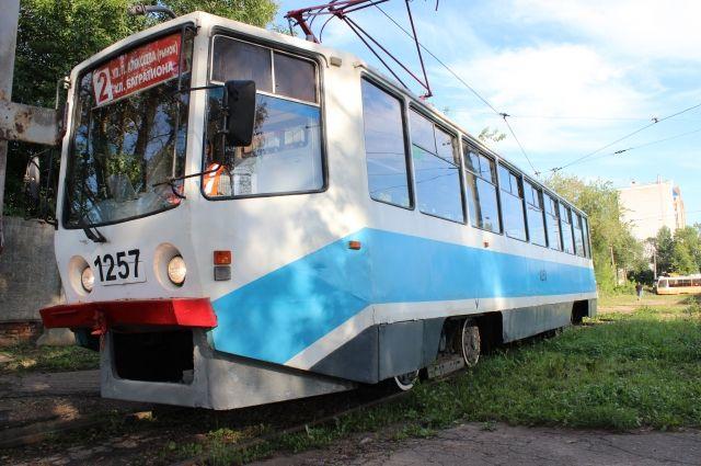 В Москве сошел с рельсов трамвай