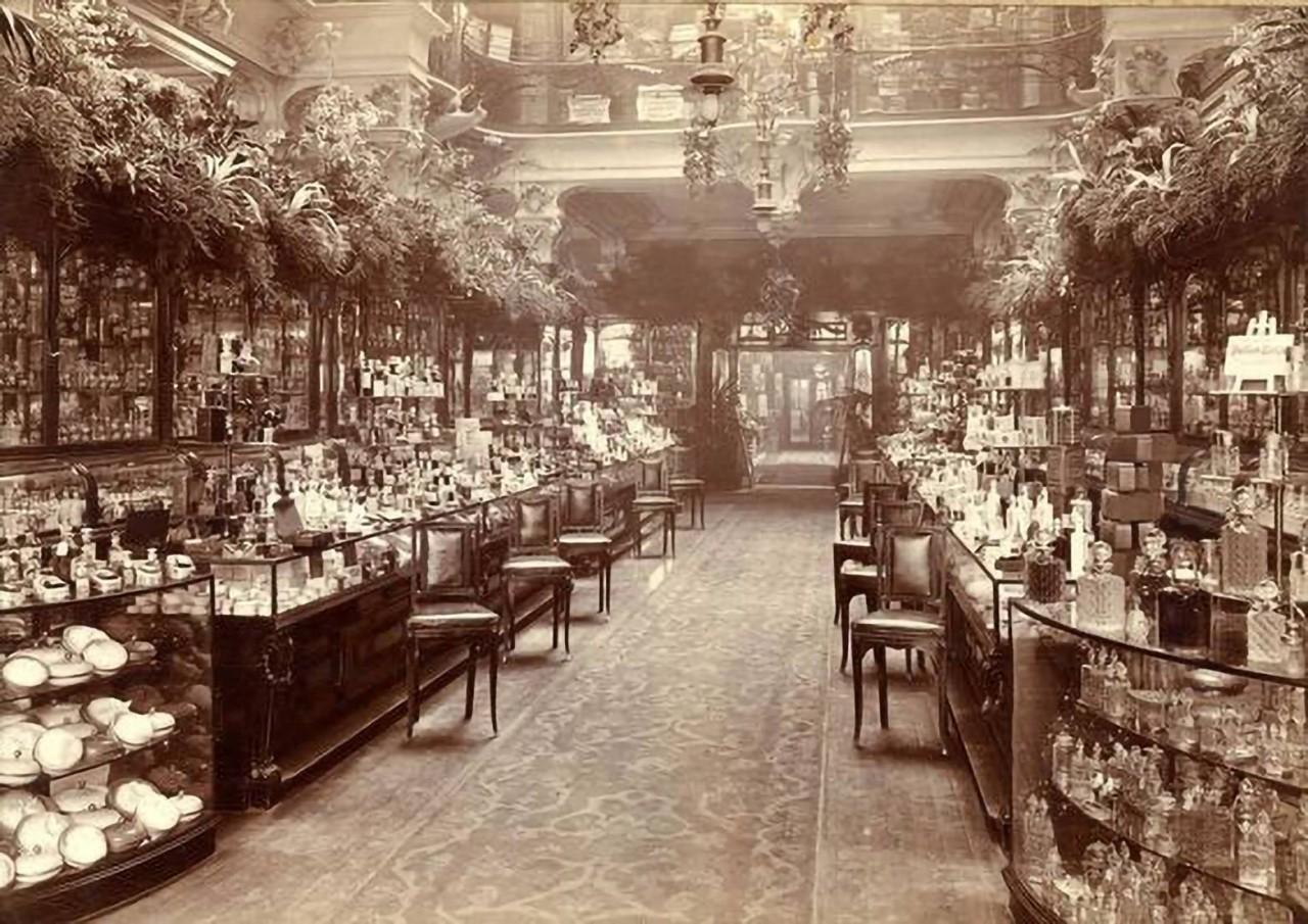 """Косметический отдел в универмаге """"Harrods"""", 1903 год, Лондон"""