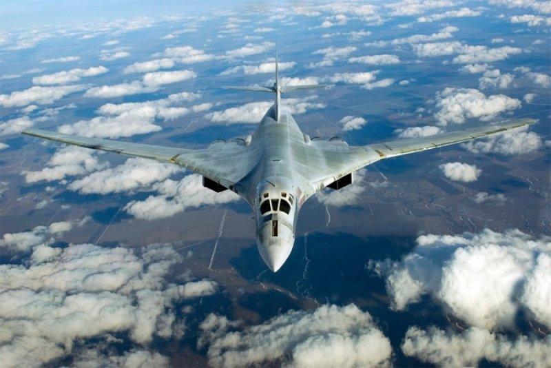 Минобороны РФ: Ракетоносцы Ту-160 над Балтикой сопровождали истребители НАТО