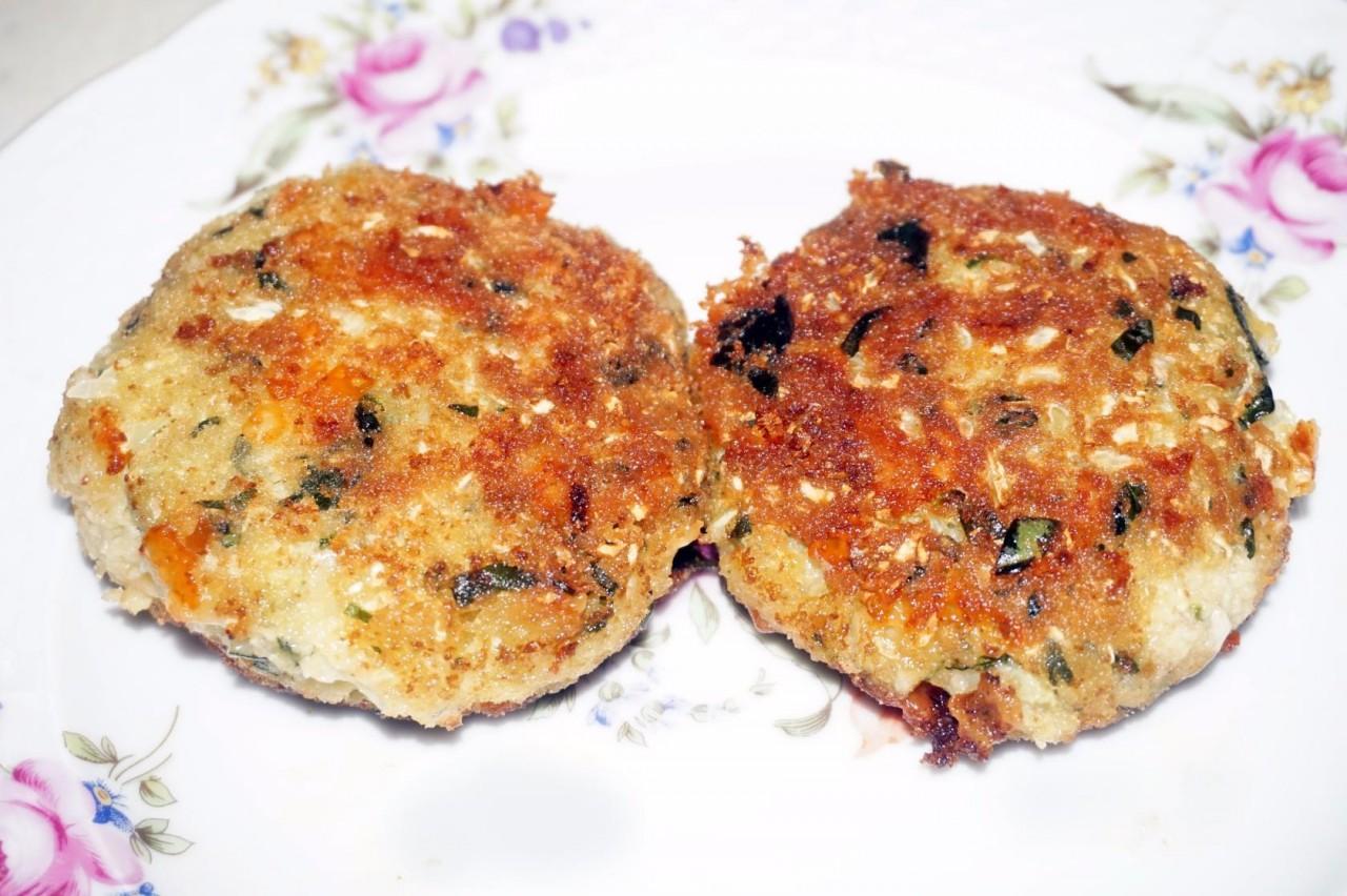Котлеты капустные со шпинатом и сыром