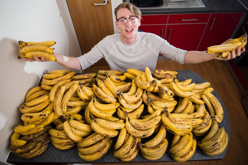 Диета этого датчанина – 150 бананов в неделю