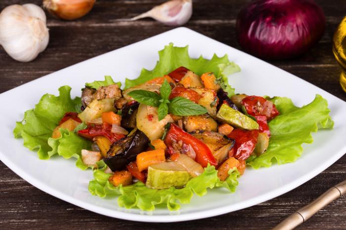 овощи с чесноком