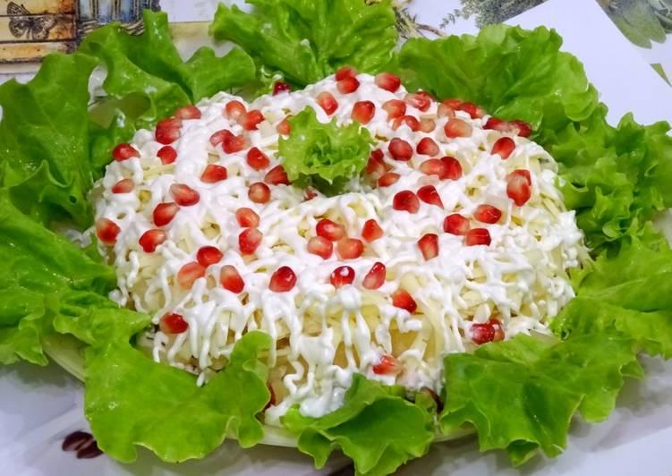 Скоро Новый год — салат Екатерина к нему подойдет