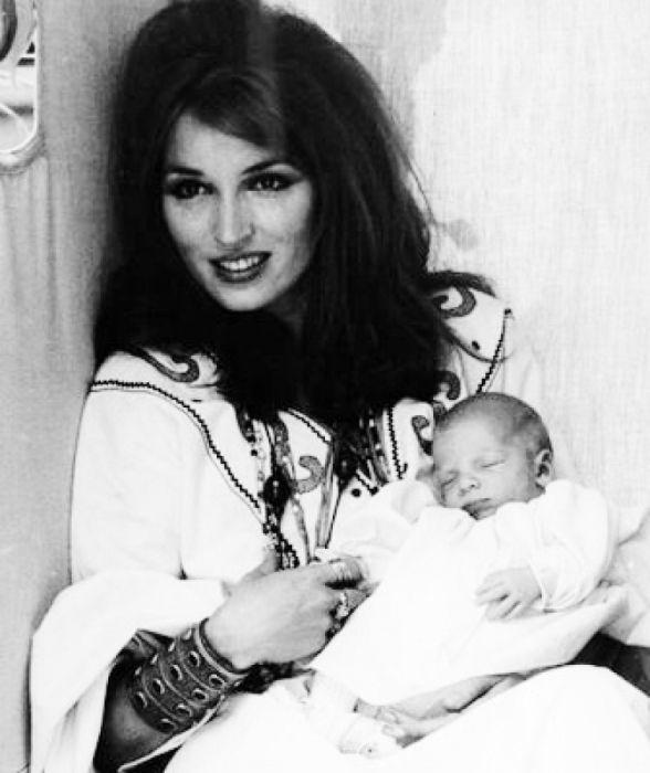 Талита Гетти с сыном. / Фото: www.gettyimages.com