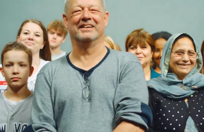 Ролик датского телевидения о различиях между людьми покорил интернет
