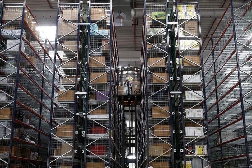 Amazon уничтожает миллионы товаров...  а что же не раздали пенсионерам???