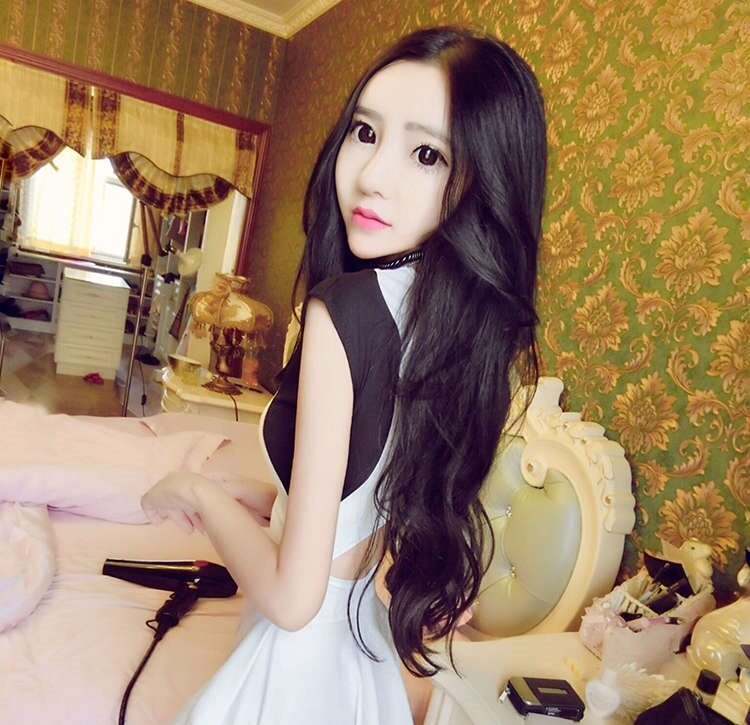 Все для того, чтобы выглядеть «совершенством» —  20-килограммовая китаянка питается только медом и пыльцой