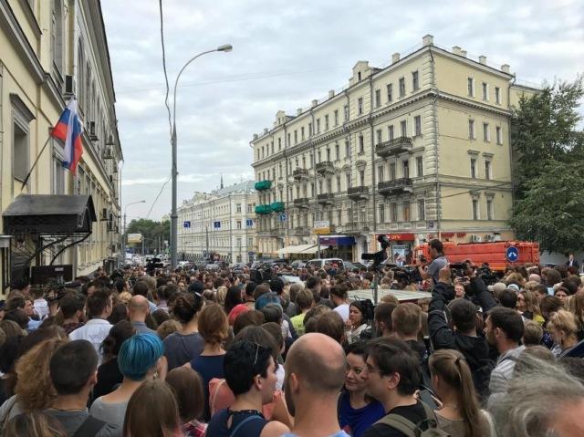 """Из Серебренникова сделают сакральную жертву """"кровавого режима"""""""