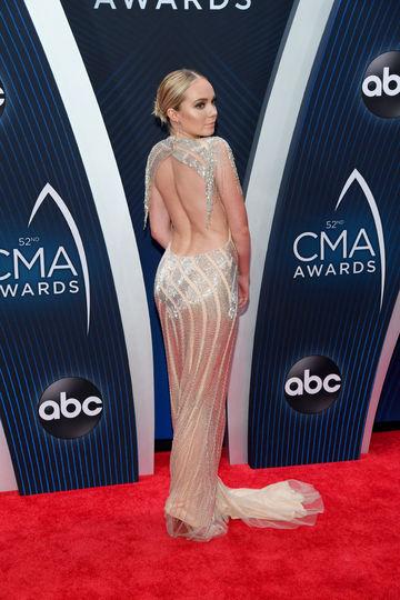 Звёзды надели голые платья на вручение премии CMA Awards: фото