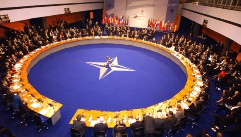 """""""Не признаем и не признаем"""". НАТО призывает Россию вернуть Украине контроль над Крымом"""