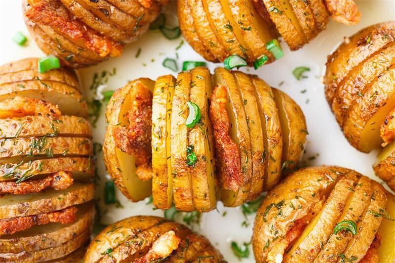 Картофель с беконом, запеченный в духовке. Картошка - гармошка