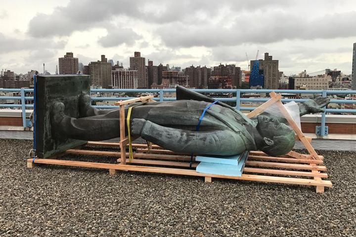 В Нью-Йорке простились с Лениным