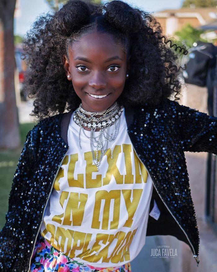 """""""Неважно, темная у вас или светлая кожа, просто знайте, что она красива"""", - говорит Кхерис девочка, история, кожа, одежда"""