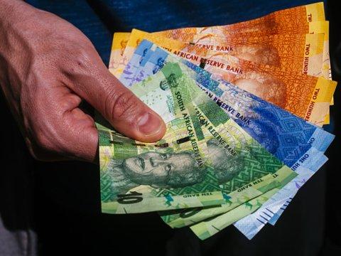 Самые красивые и необычные деньги разных стран мира