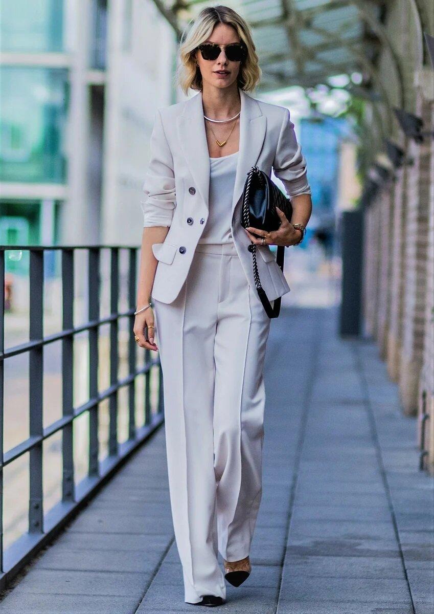 Летний деловой стиль для женщин 50+