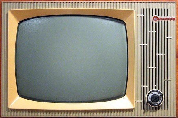 Почему не читает телевизор флешку